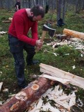 Først ryes margsiden, med en ryarøks/bile. Avbildet: Pål Sneve Prestbakk. Foto: Åge Emil Bergquist
