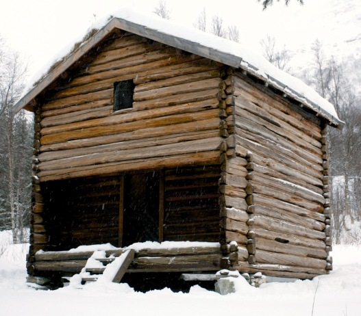 Stabburet på Helberg i Sørdalen i Bardu. Foto: Roald Renmælmo