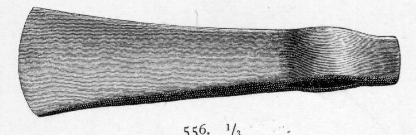 Liten bleggøks av jern, jfr. T. Dannevig-Hauge: Blesterbruk og myrjern, fig. 83 d., Største lengde 15,9 cm, høyde over eggen 5,2 cm.