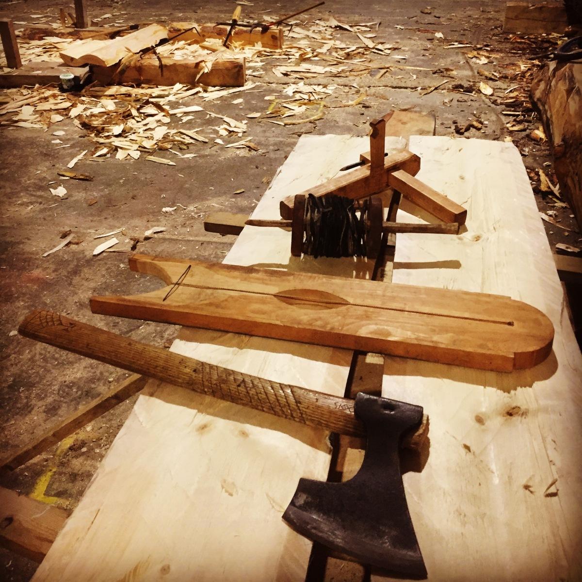 Kløyving av tømmer, tradisjonelle metoder og eksperimentelleforsøk