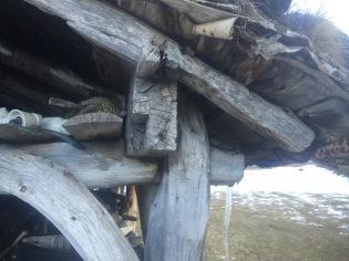 Samanføyning mellom stav-bete-raft. Indreide, Eidsdal. Nordal Kommune