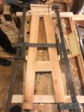 Understellet til Magnus sin høvelbenk. Det skal hengslast til benkeplata, slik at benken vert samanleggbar.