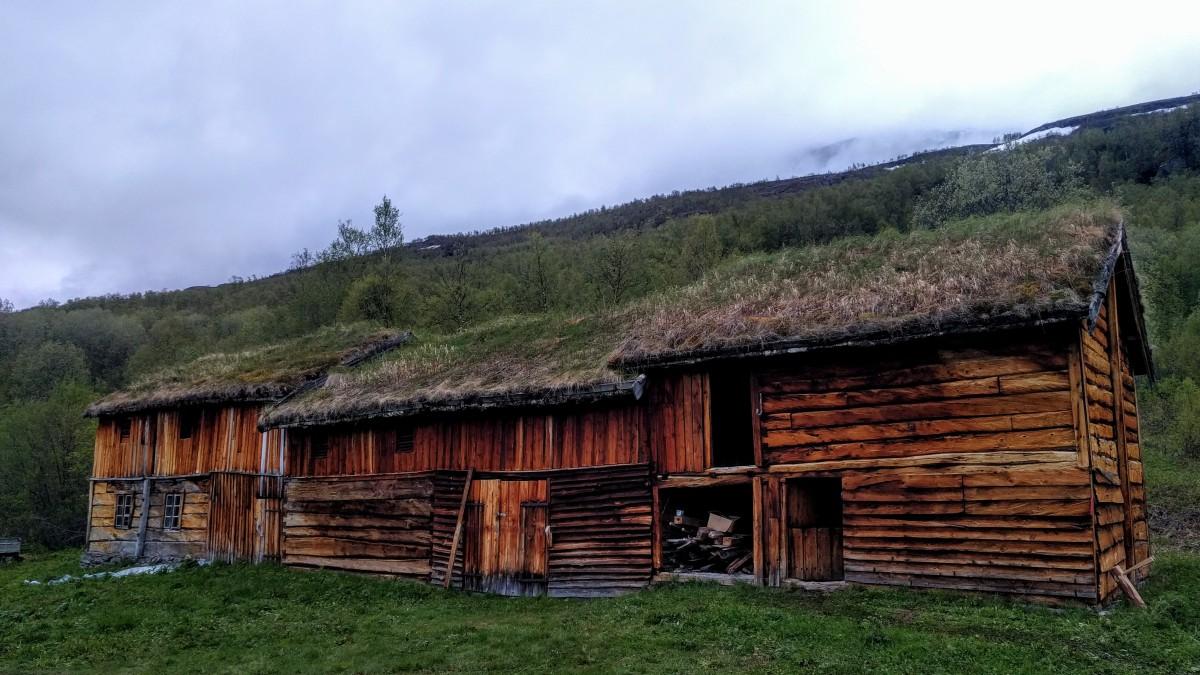 Takkonstruksjonen i Fjøset på Strømsørfjellgård.