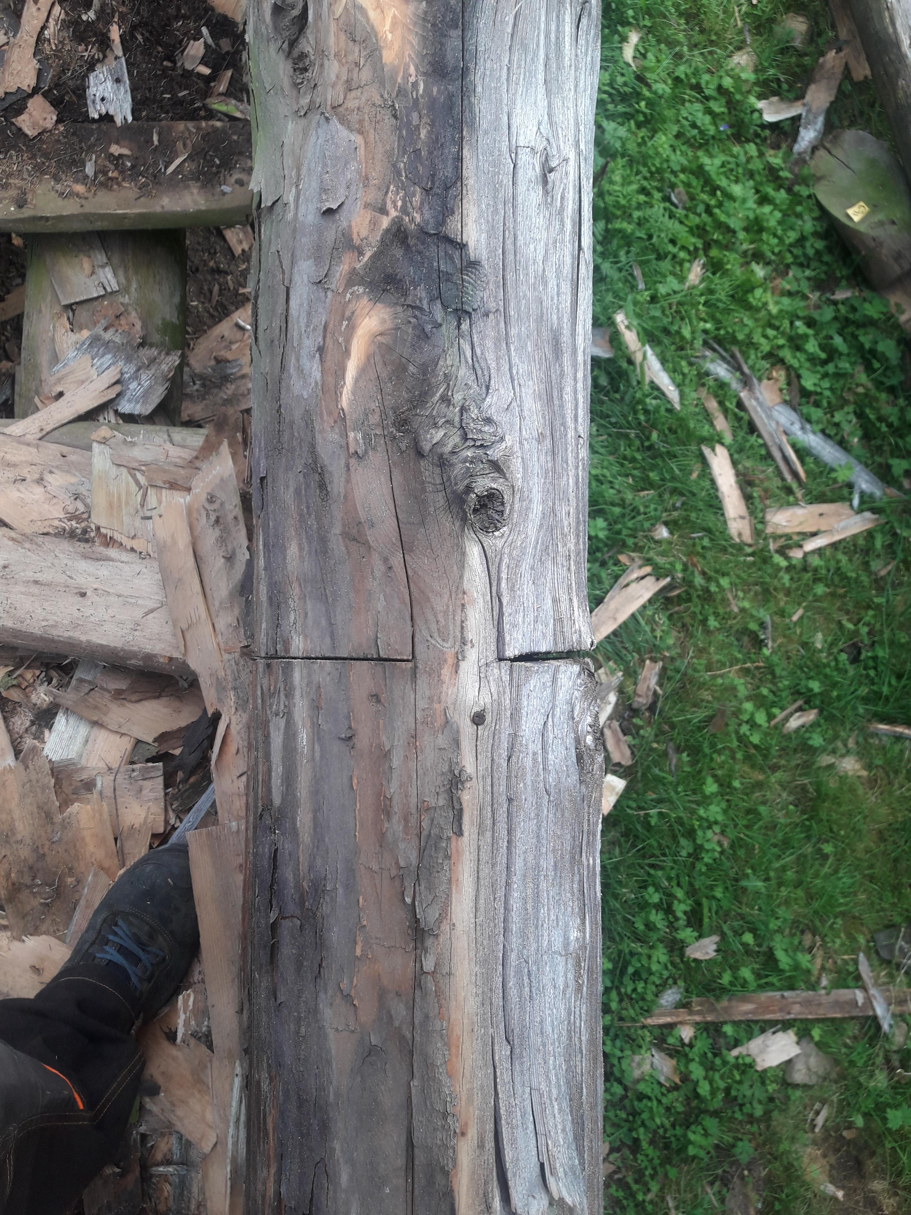 Bilde 3. Svekking av sideveis krok.