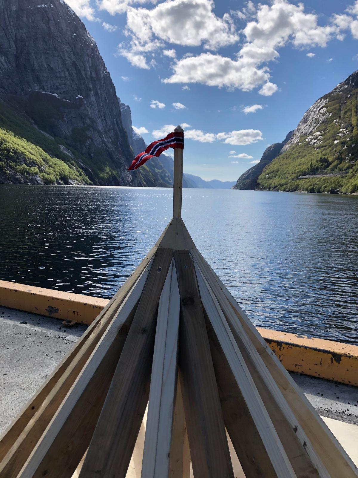 Takgeometri mellom fjord ogfjell